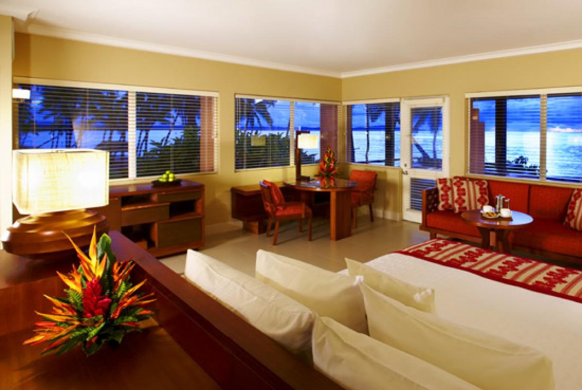 Persona  Hawaii Hotel Room